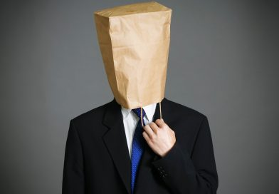 Tem vereador MUITO FOLGADO pedindo para assessor ir à Unidade de Saúde pedir máscara